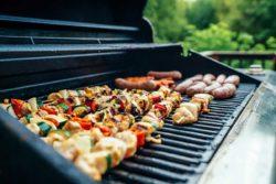 Holzkohlegrill – ein Grill, viele Ausführungen